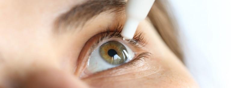 Dry eyes - causes, symptoms & risks image