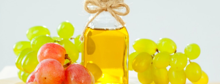 Benefits Of Grapeseed Oil & How To Use It