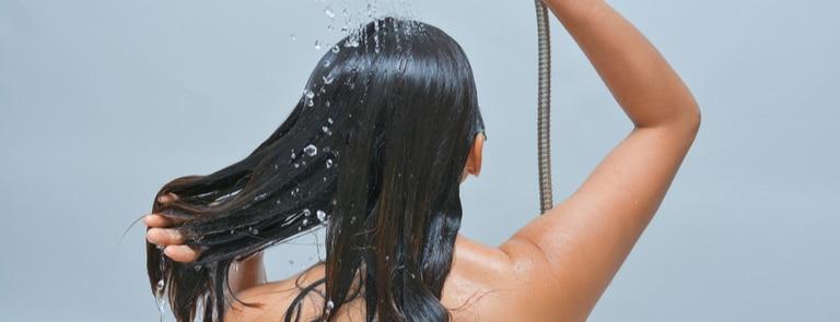 Apple cider vinegar hair rinse recipe & benefits image