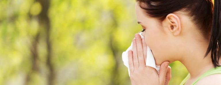 Causes & symptoms of seasonal allergies image