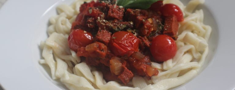 Vegan chorizo, tomato & basil pasta image