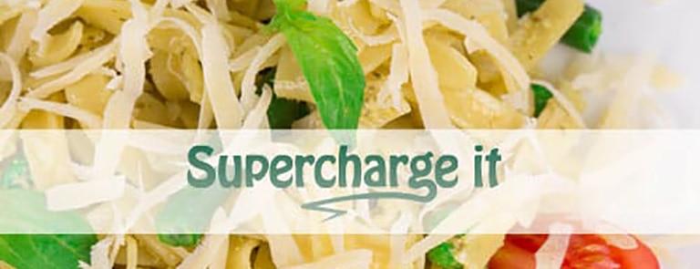 Recipe: spirulina pesto, tomato and green bean pasta image