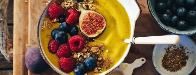 Rebel Recipes lemon & ginger smoothie bowl