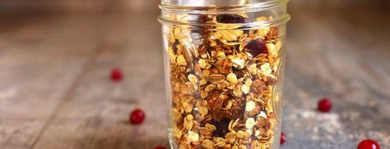 Homemade ginger-spiced crunchy breakfast granola recipe image