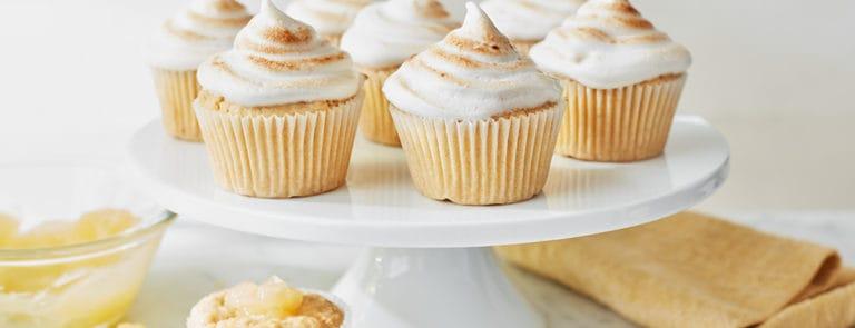 Lazy Weekend Recipes: Vegan Lemon Curd Meringue Cupcakes image