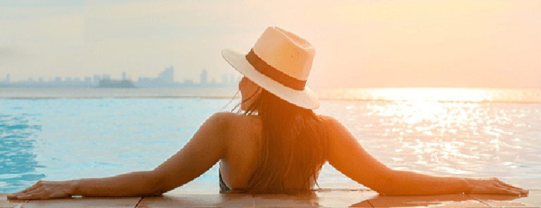 How does mineral sunscreen work? image
