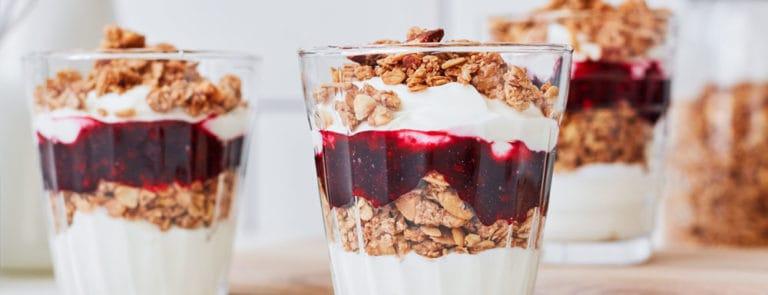 Kefir-layered breakfast pots