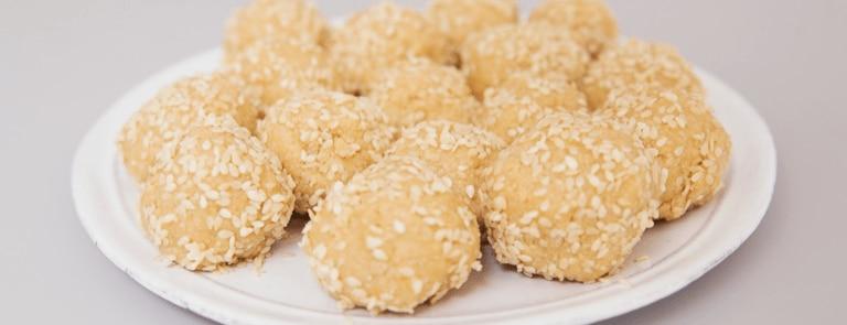 Lottie Murphys' Tahini and Manuka Honey Snack Balls