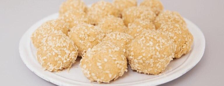 Tahini, Sea Salt and Manuka Honey Snack Balls