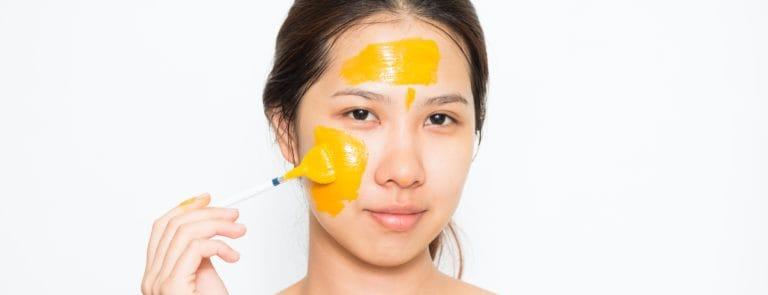 Homemade lemon & turmeric facemask recipe image