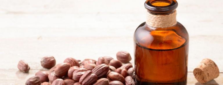 Jojoba Oil: Benefits, Dosage, Side Effects