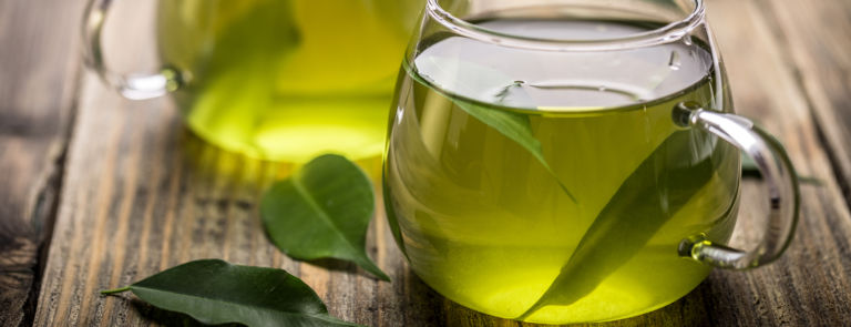 4 Drinks To Help Reduce Bloating image