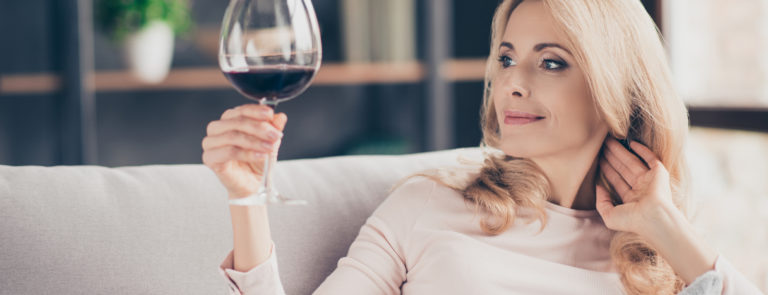 high consumption of alcohol causes folic acid deficiency