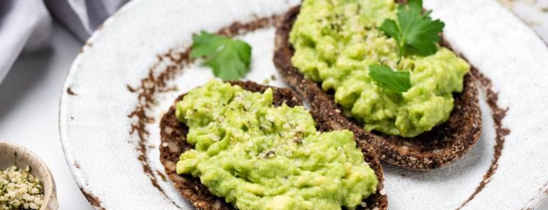 Foods that lower cholesterol avocado on rye toast