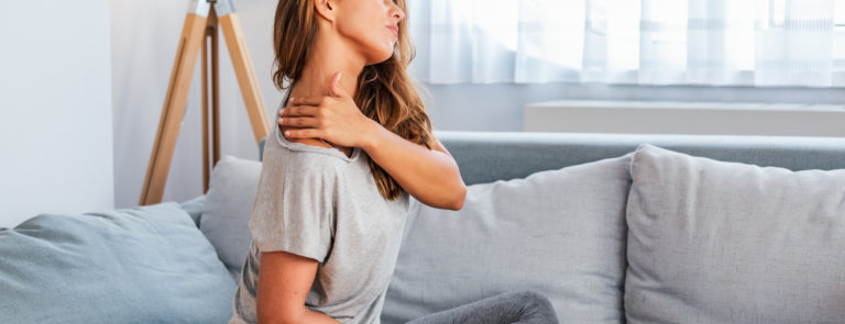 Possible causes of pain in your upper back image