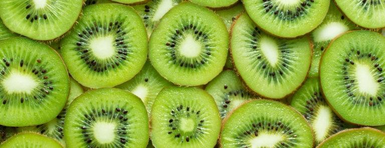 Benefits of eating kiwi image