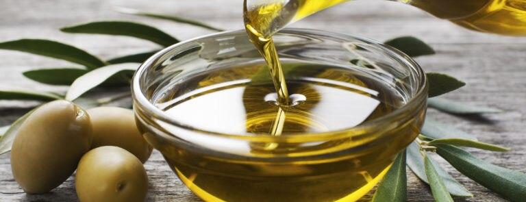 Olive Oil Benefits, Nutrition & Risks